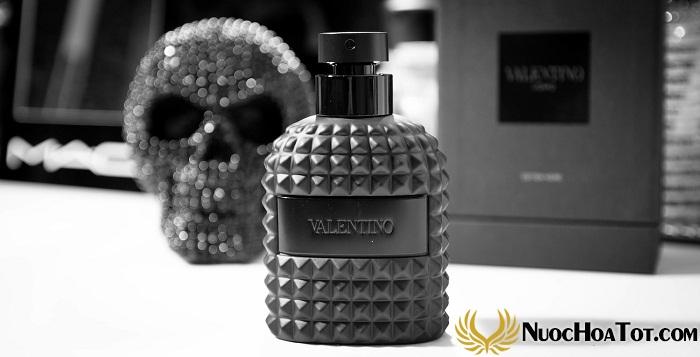 Nuoc hoa nam Valentino Uomo Edition Noire3